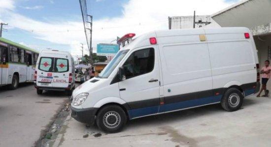 Corpo de criança suspeita de morrer por agressão é sepultado no Recife