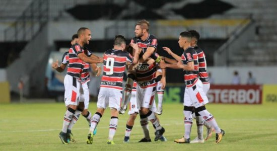 Santa Cruz vence o Central no Arruda e entra no G4 do Pernambucano