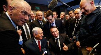 O presidente Jair Bolsonaro e o primeiro-ministro de Israel, Benjamin Netanyahu, visitam exposição de produtos de empresas de inovação, em Jerusalém