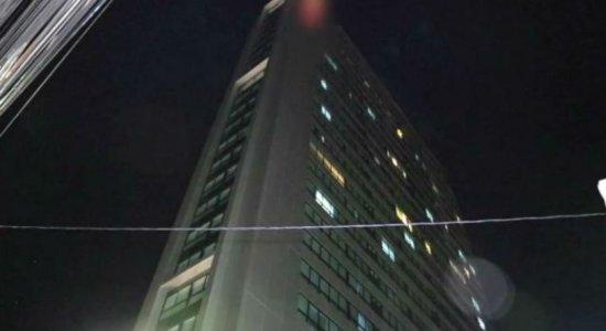 Incêndio atinge hotel em Boa Viagem, Zona Sul do Recife
