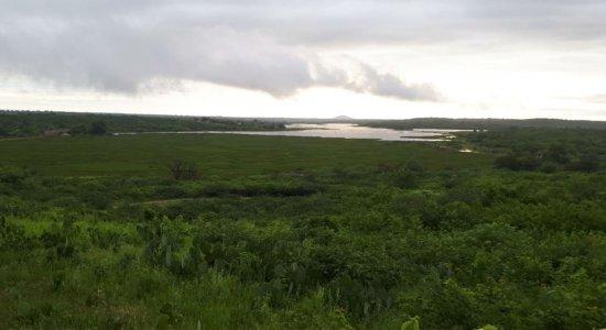 Açudes transbordam após chuvas no Sertão do Pajeú