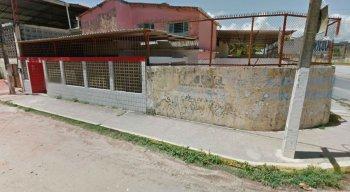 A escola fica no bairro do Janga, em Paulista