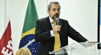 Bolsonaro anunciou que Weintraub é o substituto de Ricardo Vélez Rodríguez no MEC