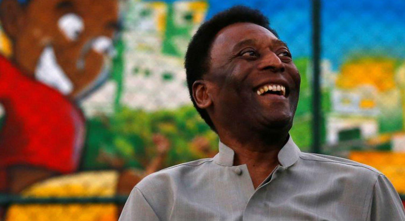 Pelé se recupera após retirada de cálculo renal