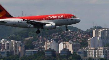 Cerca de 300 voos da Avianca foram cancelados desde que a Agência Nacional de Aviação Civil (Anac) cassou a matrícula de dez aeronaves alugadas pela companhia no dia 12 de abril