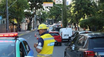 A mudança no sentido da faixa central da Avenida Beira Rio, promete descongestionar o trânsito no loca