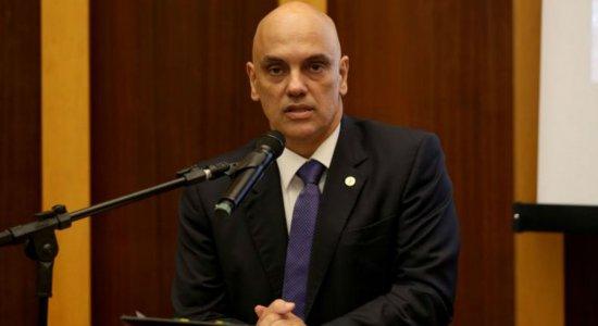 Ministro decreta bloqueio das redes sociais de críticos do STF