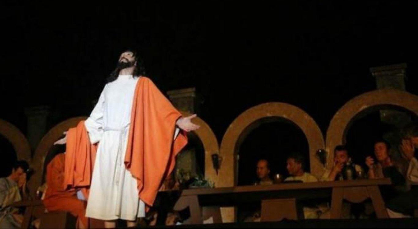 Paixão de Cristo de José Pimentel estreia em Olinda