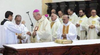 O arcebispo de Olinda e Recife, Dom Fernando Saburido, celebrou a missa
