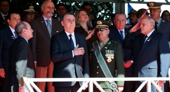 Bolsonaro diz que Exército sempre esteve ao lado da vontade nacional