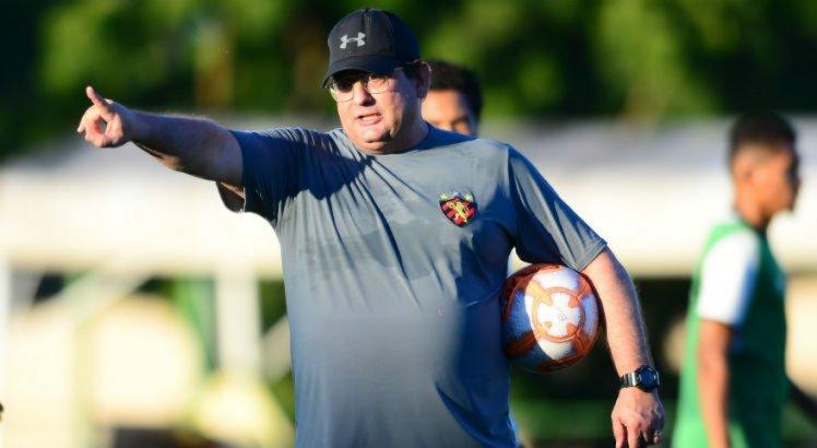 Independente da postura do Náutico, Guto Ferreira quer o Sport preparado
