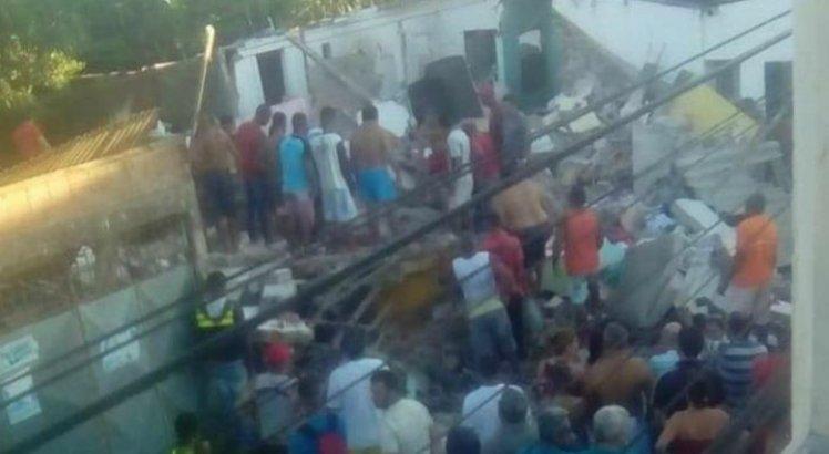 Explosão de gás deixa mortos e feridos em Camaragibe