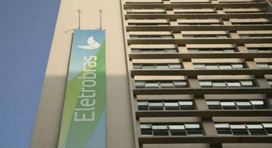 Bolsonaro inclui Eletrobras e EBC em programa de privatização