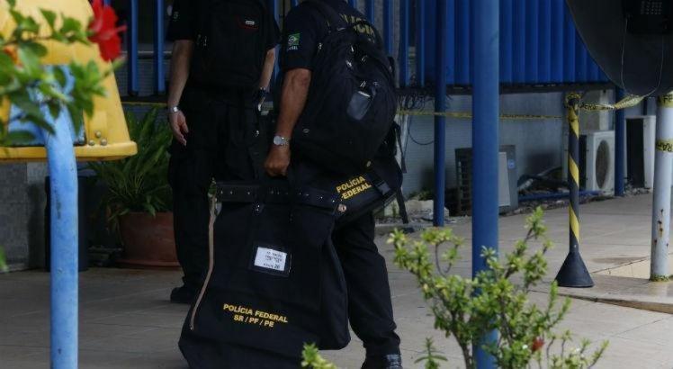 A Operação Torrentes, deflagrada em 2017, apontou a atuação de grupo criminoso que, nos últimos anos, praticou fraudes na execução de ações de auxílio à população afetada pelas chuvas, que deixaram mais de 80 mil pessoas desabrigadas em Pernambuco