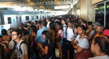 As estações da linha Centro do metrô ficaram lotadas