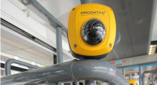 Biometria facial começa a funcionar em ônibus do Grande Recife