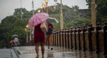 A previsão indica pancadas de chuva com intensidade moderada a pontualmente forte