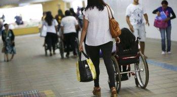 Os veículos vão atender pacientes em 65 municípios de 20 estados brasileiros