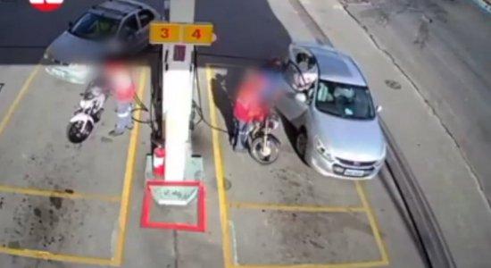 Vídeo: câmeras de segurança flagram assalto em posto na RMR