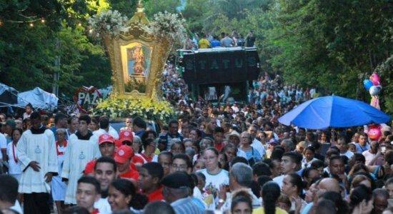 Procissão marca encerramento da Festa da Pitomba em Jaboatão