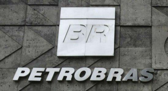Petroleiros iniciam greve; Petrobras quer garantir abastecimento