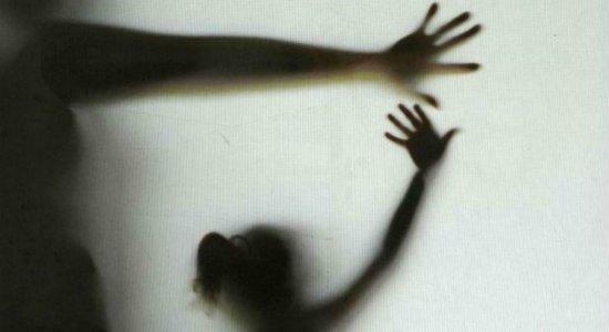 Homem é preso suspeito de estuprar irmã de 9 anos da companheira dele