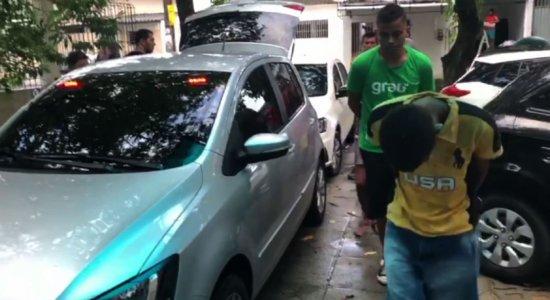 Jovem de 18 anos suspeito de liderar quadrilha é preso no Ibura