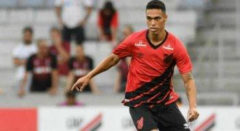 Éder Ferreira trabalhou com Guto no Bahia. Atualmente, defende o Athletico Paranaense.