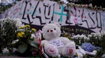 A ação dos atiradores resultou na morte de dez pessoas, incluindo os dois autores. Onze pessoas ficaram feridaS