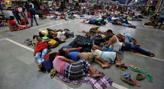 Ciclone atinge Índia; mais de 1 milhão de pessoas são retiradas