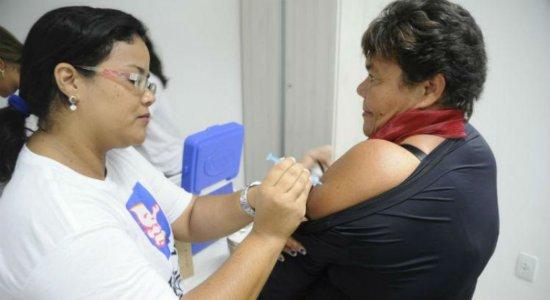 Toda a população pode se vacinar contra a gripe a partir desta segunda