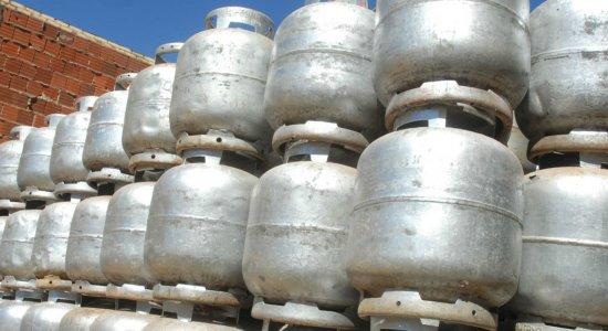 Confira preços dos botijões de gás após aumento no Grande Recife