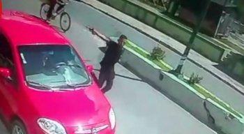 O crime foi flagrado por câmeras de segurança