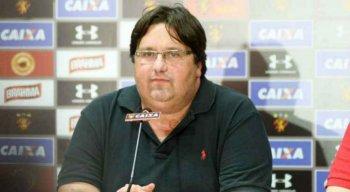 Nelo Campos reclamou da atuação do trio de arbitragem na partida contra o Bragantino.