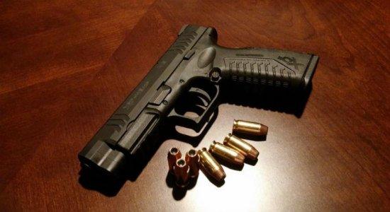 DF recolherá arma de agente investigado por violência doméstica