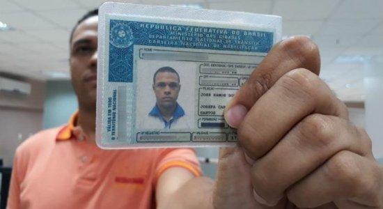 Presidente confirma aumento de validade da carteira de motorista