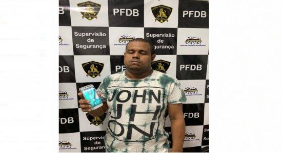 Detento é flagrado portando celular em presídio no Grande Recife
