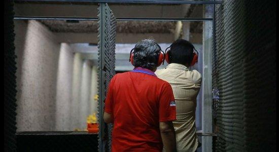 Especialista em segurança pública critica decreto de armas de Bolsonaro