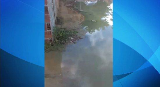 Moradores denunciam obras inacabadas no município de Igarassu