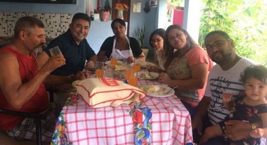 Chef Wellington prepara Lasanha de Bacalhau em São Lourenço da Mata