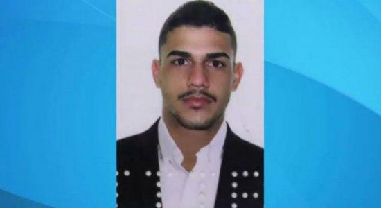PM detém casal e encontra quase 10Kg de crackno Grande Recife