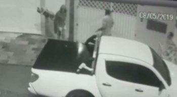 O crime foi registrado por câmeras de segurança