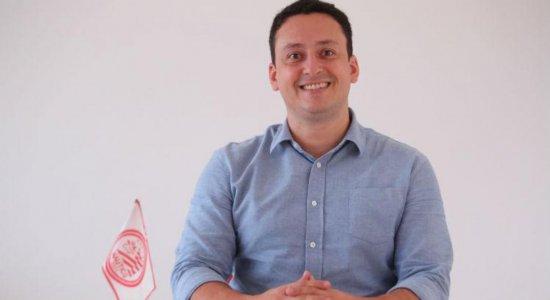 Dirigente do Náutico reforça confiança em Márcio Goiano
