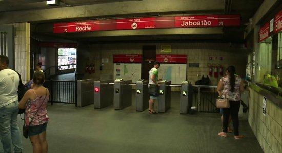 Metrô: Usuários denunciam insegurança e falta de manutenção em estação