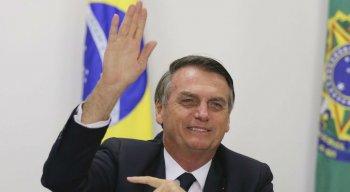O presidente Jair Bolsonaro defendeu decreto que regulamentou regras para aquisição, cadastro, registro, posse, porte e comercialização de armas de fogo no país