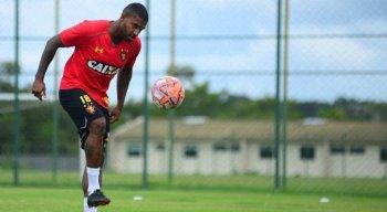 Sammir disputou quatro partidas com a camisa do Sport e ainda não marcou gol.
