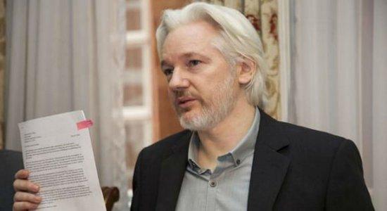 Justiça da Suécia reabre investigação contra Assange
