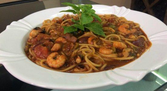 Que tal preparar um Espaguete com Frutos do Mar?