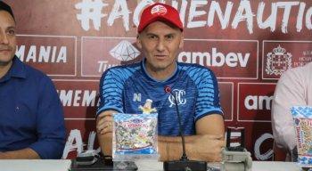 Treinador foi apresentado no Alvirrubro nessa terça-feira (14)