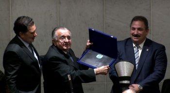 João Carlos Paes Mendonça recebeu uma placa comemorativa durante a solenidade
